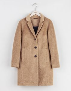 If we've learnt one thing it's that you LOVE mohair. And why wouldn't you when it's this stylish and stroke-me soft. Your go-to transitional coat, open it up to discover a pop colour lining. We've also added a luxurious ivory option in soft Italian bouclé - perfect for winter wonderland trips.