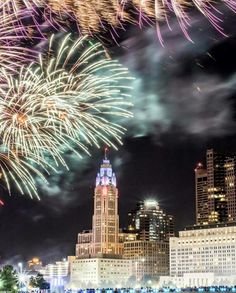 Fireworks over Columbus last night. Happy 4th of July, Ohio! Photo credit goes to Instagrammer @bombrush1.