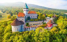 9 nejkrásnějších zámků a zámečků na Slovensku - Blog | TRAVELKING Mansions, House Styles, Blog, Home Decor, Luxury Houses, Interior Design, Home Interior Design, Palaces, Mansion
