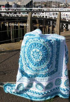 """Have you seen this stunning crochet winter blanket? It is called """"Sophie Loves Lilla Björn"""" and it was made by Emma Aldous. Emma put several pattern. Crochet Mandala Pattern, Granny Square Crochet Pattern, Afghan Crochet Patterns, Crochet Squares, Double Crochet, Crochet Stitches, Granny Squares, Crochet Afgans, Diy Crochet"""