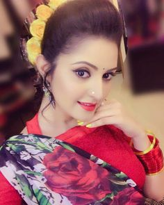 Bangladeshi popular actress Pori Moni best picture and wallpaper gallery. Best hd image of actress Pori Moni. Beautiful Bollywood Actress, Most Beautiful Indian Actress, Pori Moni, Beautiful Girl Image, Beautiful Women, Flawless Face, Girl Photography Poses, India Beauty, Girl Face