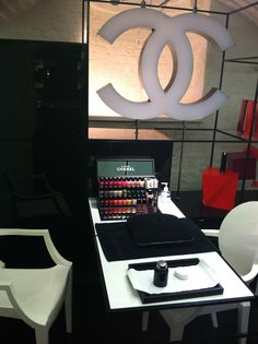 Treat yourself at the nail bar, @Coco Chanel pop up beauty boutique, Covent Garden