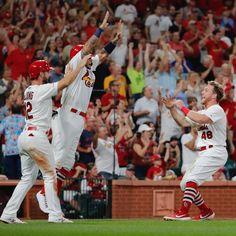 "games over 💪"" Cardinals Win, Cardinals Players, St Louis Cardinals Baseball, Cardinals Shirts, Baseball Boys, Baseball Players, St Loius, Buster Posey, Derek Jeter"