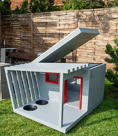 Modern Dog Houses, Cool Dog Houses, Winter Dog House, Dog Washing Station, Diy Wooden Projects, Dog House Plans, Dog Spaces, Duck House, Puppy House