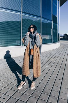 Pärchen Outfit, Partnerlook Style, Erdtöne kombinieren, Outfit in Nude und Khaki, Streetstyle, Fashion Blogger, www.whoismocca.com Love Her Style, Style Me, Casual Chic, Outfit Des Tages, German Fashion, The Girl Who, Outfit Posts, Outfit Of The Day, Raincoat