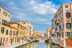 The shortcut to experiencing the 'real' Venice http://www.bruisedpassports.com/wheres/offbeat-things-to-do-in-venice