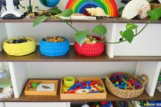 Why toy shelves are better than toy boxes: Creating a Montessori environment of calm and order Montessori Playroom, Preschool Rooms, Montessori Toddler, Montessori Activities, Toddler Toys, Daycare Storage, Big Toy Box, Toy Storage Baskets, Toy Shelves