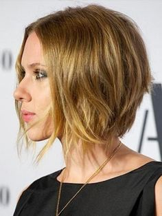 Scarlett Johansson's messy style short hair looks brilliant. Today the trend is appeared that many girls are now adopted the small hair cuts. Because the summer season is now on … Angled Bob Hairstyles, Short Hairstyles For Women, Pretty Hairstyles, Bob Haircuts, Hairstyle Ideas, Stacked Haircuts, Hair Ideas, Asymmetrical Haircuts, 2015 Hairstyles