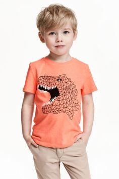 Printed cotton T-shirt - Coral/Dinosaur - Kids Baby Boy Fashion, Fashion Kids, Toddler Fashion, Little Boy Hairstyles, Boys Long Hairstyles, Boy Haircuts Long, Toddler Boy Haircuts, Toddler Boys, Toddler Boy Long Hair