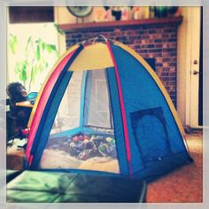 Only Mommies would allow a Gigantic Crayola Crayon tent decorate the living room! & crayola tent - Google Search | Crayola | Pinterest