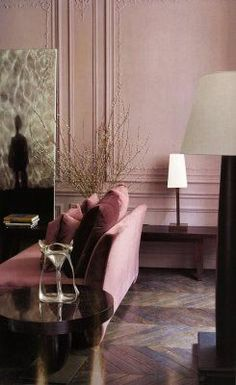 I hate pink for a wall color, but i have to admit this room is impressive in Dusty Rose #livingroom