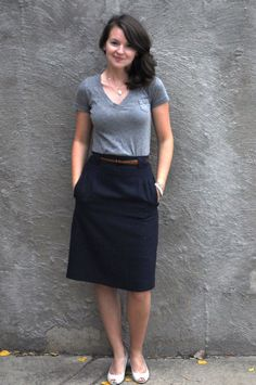 Grey t-shirt + relaxed skirt + flats. Simplicity.