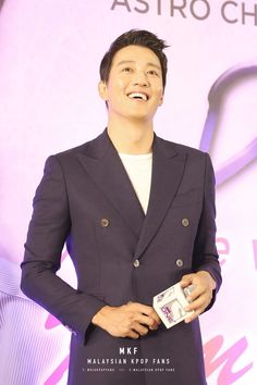 Malaysian Hearts Beat for 'A Date with Kim Rae Won' in a special fan meeting at Pavilion KL Kim Rae Won, Double Breasted Suit, Suit Jacket, Hearts, Korean, Dating, In This Moment, Actors, Blazer