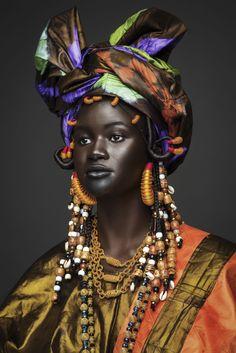 Khoudia Diop rend hommage à ses origines sénégalaises dans un shooting photo vibrant - Trace Africa FR
