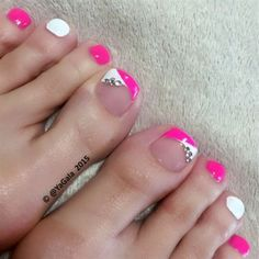 Nail art is not just for the hands! Toe nail art is a perfect way to add some fun to a summer pedicure. Explore these amazing nail designs for toes. Pink Toe Nails, Cute Toe Nails, Hot Nails, Hair And Nails, Pink Toes, Pedicure Nail Art, Toe Nail Art, White Pedicure, Pedicure Ideas