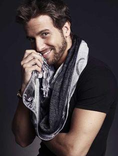 my pablo alboran Perfect Man, A Good Man, Hottest Male Celebrities, Celebs, Beautiful Boys, Beautiful People, Miguel Bose, He Makes Me Happy, Latin Men
