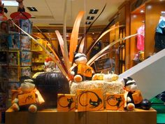 Budget Friendly Resources for Fantastic Retail Window Displays   The Mannequin Madness Blog