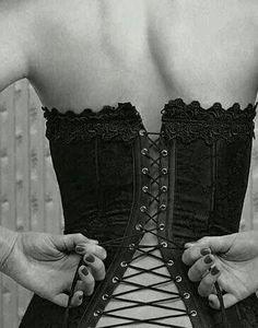 Love corsets!!