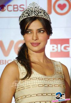 Priyanka Chopra Picture Gallery image # 184091 at CBS Big Love Show Launch containing well categorized pictures,photos,pics and images. Quantico Priyanka Chopra, Priyanka Chopra Images, Priyanka Chopra Wedding, Priyanka Chopra Hot, Indian Bollywood Actress, Bollywood Girls, Bollywood Actors, Indian Actresses, Vintage Bollywood