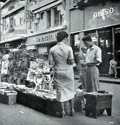 Grete Stern, Newspaper stand in Buenos Aires, 1956.
