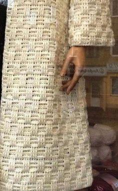 Fabulous Crochet a Little Black Crochet Dress Ideas. Georgeous Crochet a Little Black Crochet Dress Ideas. Gilet Crochet, Crochet Coat, Crochet Winter, Crochet Jacket, Tunisian Crochet, Crochet Cardigan, Crochet Shawl, Crochet Clothes, Crochet Stitches