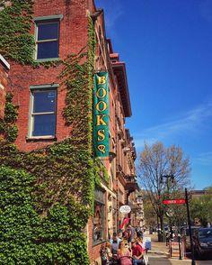 Spring in historic downtown Easton. #spring #springtime #easton #pa #pennsylvania #lehighvalley #downtown #historic #city #building #buildings #brick #books #tree #ivy #old #rivertown #delawareriver #lehighriver #pocket_spring #pocket_family #pocket_usa #niceplaces_nicepeople #usa #instasky #sky #bluesky #instapic #paspots