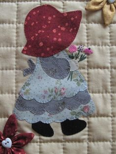 Fancy Sunbonnet Sue Quilt via Etsy♥ loving handwork ♥ applied by hand, embroidered and quilted ♥ ™ . Quilt Patterns Free, Applique Patterns, Applique Quilts, Applique Designs, Quilting Designs, Machine Embroidery Designs, Hand Embroidery, Sunbonnet Sue, Girls Quilts