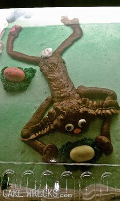Cake Wrecks - Skinny Rabbit- That's a RABBIT? I will refer to this pic when I need to know what a rabbit does not look like ! Bad Cakes, Cute Cakes, Cakes Gone Wrong, Cake Disasters, Ugly Cakes, Food Fails, Rabbit Cake, Funny Cake, Cake Wrecks