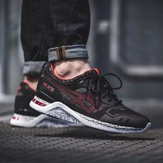 The ASICS Gel Lyte III EVO Black Speckle launches in 30 minutes in the EU. http://ift.tt/1TQurUc http://www.95gallery.com/