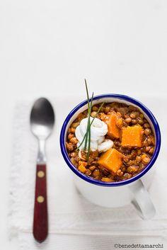 zuppa piccante di zucca e lenticchie