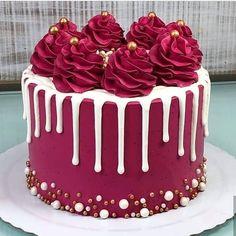 Cake Decorating Frosting, Cake Decorating Designs, Creative Cake Decorating, Birthday Cake Decorating, Cake Decorating Techniques, Creative Cakes, Birthday Cake Designs, Cake Decorating Amazing, Creative Birthday Cakes