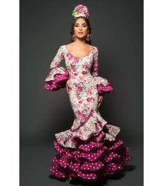 Aires de Feria Traje de flamenca Camino Trajes de Flamenca 2017 |... 15 Dresses, Cute Dresses, Beautiful Dresses, Formal Dresses, Flamenco Costume, Flamenco Dresses, Flamingo Dress, Spanish Dress, Dance Fashion