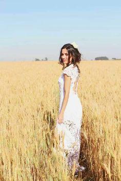 Casamento em um campo de trigo.