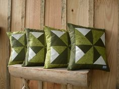 Quilt Block Patterns, Pattern Blocks, Quilt Blocks, Patchwork Cushion, Quilted Pillow, Diy Pillow Covers, Cushion Covers, Pinwheel Quilt, Sewing Pillows