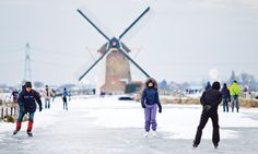 Ice skating on the canals is a great way to spend Christmas! #Holland #Netherlands (Photo: Holland.com)