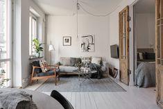 """<span class=""""entry-title-primary"""">Interior Inspiration, quando gli interni nordici incontrano lo stile shabby</span> <span class=""""entry-subtitle"""">Luce, piante e tante buone idee per un monolocale svedese</span>"""
