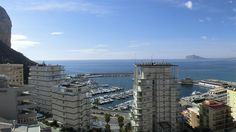The apartment offer two different seaviews as one of the three balconies offer views of the harbour and south-west down to Benidorm. The salt lake can also be seen from this balcony. Enjoy evening sun and watch the boats come and go.  www.wonderful-calpe.webs.com