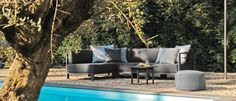 Borek-Aluminium-Horizon-lounge-Samos-side-table-Crochette-pouffe-1_preview-700x300 Horizon