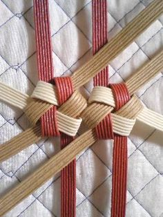 8 Card Basket, Paper Basket, Weaving Textiles, Weaving Patterns, Hobbies And Crafts, Diy And Crafts, Birch Bark Crafts, Jute Crafts, Newspaper Crafts