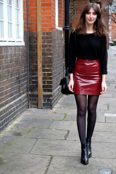 red patent skirt - london street style - outfit of the day - zara skirt - uniqlo jumper - sarenza boots - zara bag - what i wear today