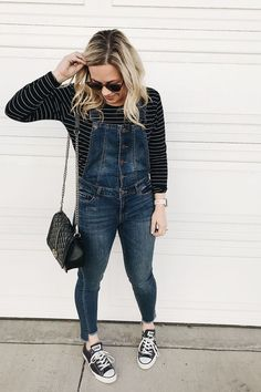 How to wear overalls as a grown up | overalls outfit | overalls | 90s style | mom style | casual style | how to wear chuck taylors | converse outfits | overalls outfits | edgy style