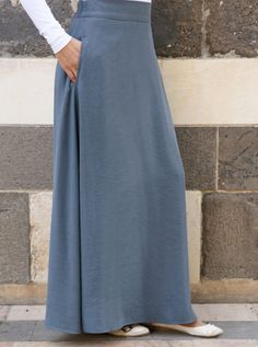 More than just denim skirts, our wide range of fabrics and silhouettes will keep you covered in style. Long Maxi Skirts, Cute Skirts, Simple Long Dress, Women's A Line Dresses, Denim Skirt Outfits, Winter Dress Outfits, Maxis, Look Fashion, Flared Skirt