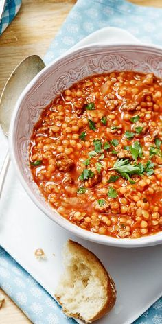 Lentil pan with minced meat maggi.de - A hearty filling: delicious pan dish with lentils, minced meat and parsley! Healthy Meat Recipes, Crockpot Recipes, Crockpot Meat, Lentil Recipes, Stir Fry Recipes, Pizza Recipes, Casserole Recipes, Madras Recipes, Hamburger Meat Recipes Ground