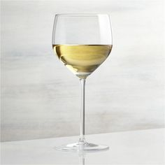 Need help picking the right glass for your wine varietals? Consult our wine glass guide to learn about types of wine glasses for various whites and reds. Zinfandel Wine, Chardonnay Wine, Types Of Wine Glasses, White Wine Glasses, Wine Varietals, Pinot Noir Wine, Bordeaux Wine, Wine Gift Boxes, Wine Sale