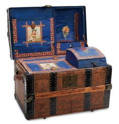 Raised by the Song of the Murmuring Grove: 253 Victorian Doll¡s Trunk with Rich Blue Interior and Decoupage