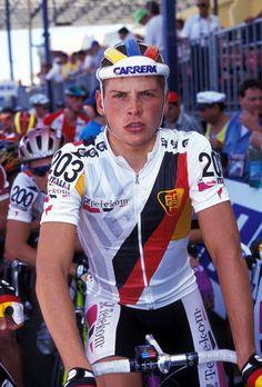 Jan Ullrich (Rostock, ex RDA, 2 de diciembre de 1973) es un ciclista alemán. Pese a ser especialmente fuerte en la contrarreloj, se defendía bien en todos los terrenos, siendo un ciclista que luchaba siempre por los puestos de honor en la clasificación general, especialmente en el Tour de Francia. Realizó toda su carrera (1994-2013) en el equipo Telekom/T-Mobile, salvo la temporada 2003, en el Team Bianchi.