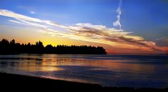 Sunset in Parksville, BC How To Speak French, Vancouver Island, British Columbia, Beautiful Beaches, Serenity, Waterfall, To Go, Canada, Ocean