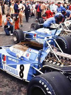 Matra MS120 . Henri Pescarolo , Jean Pierre Beltoise. 1970 Brands Hatch Pits.