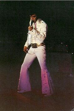 Elvis Presley - November 15, 1972 Long Beach, CA |
