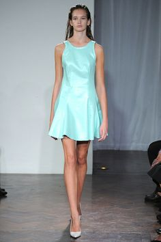 Felder Felder Spring 2014 Ready-to-Wear Collection Slideshow on Style.com